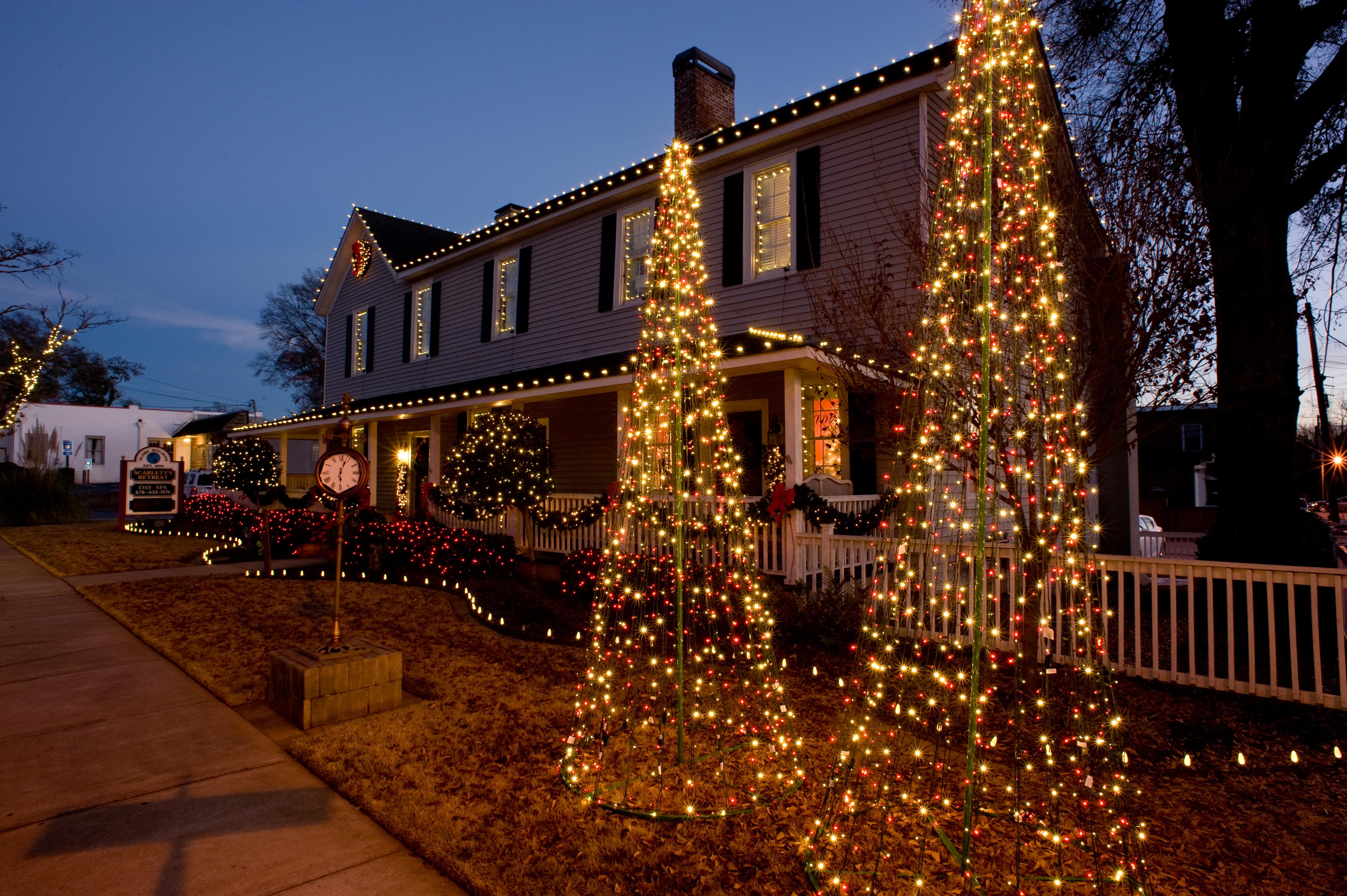 Christmas Decor by Paulk Outdoors Inc.